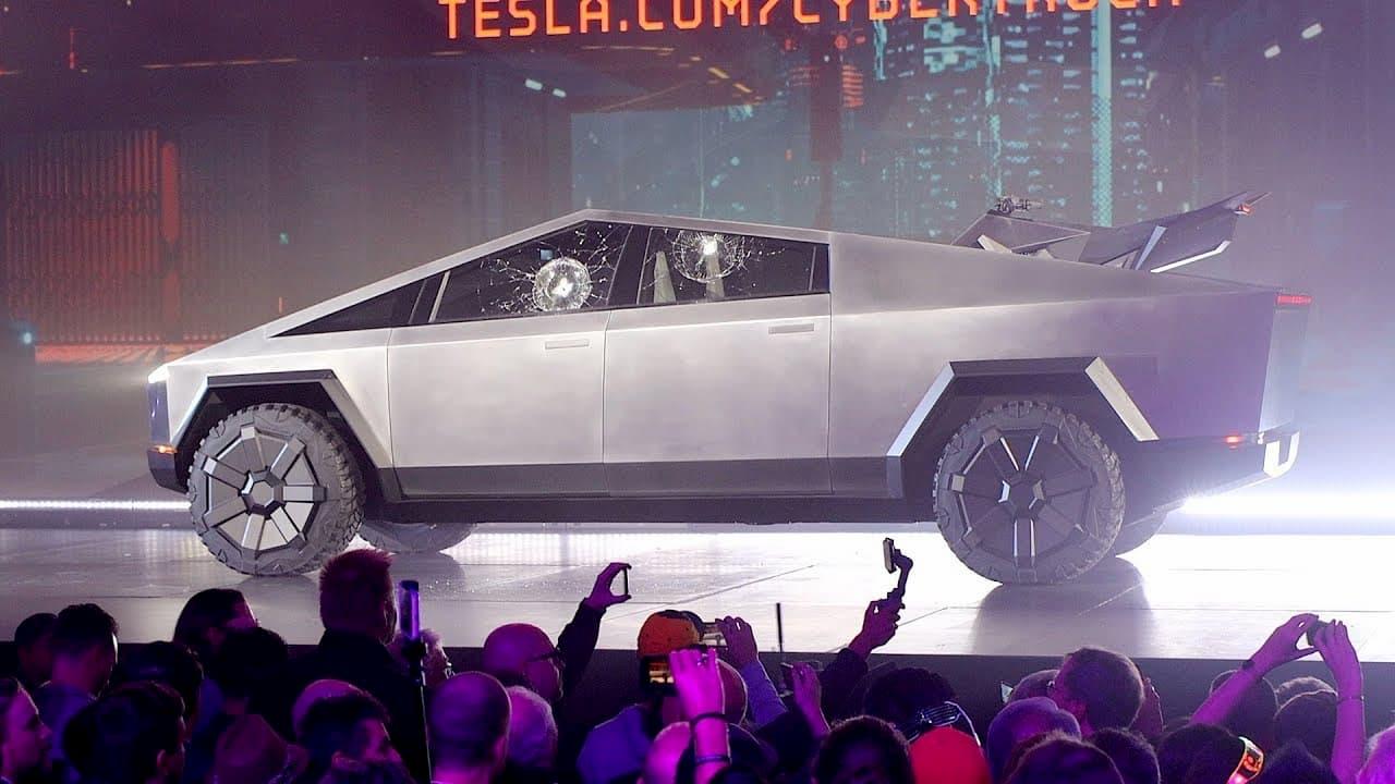 テスラのトヨタ超えが自動車メーカーのコネクテッドカー投資に火を付ける