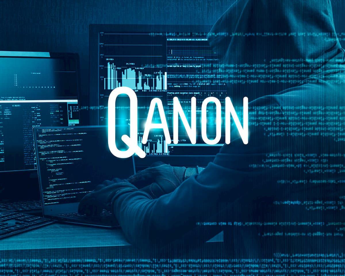 Facebookがトランプ支持の陰謀論者QAnonのグループの1つを削除