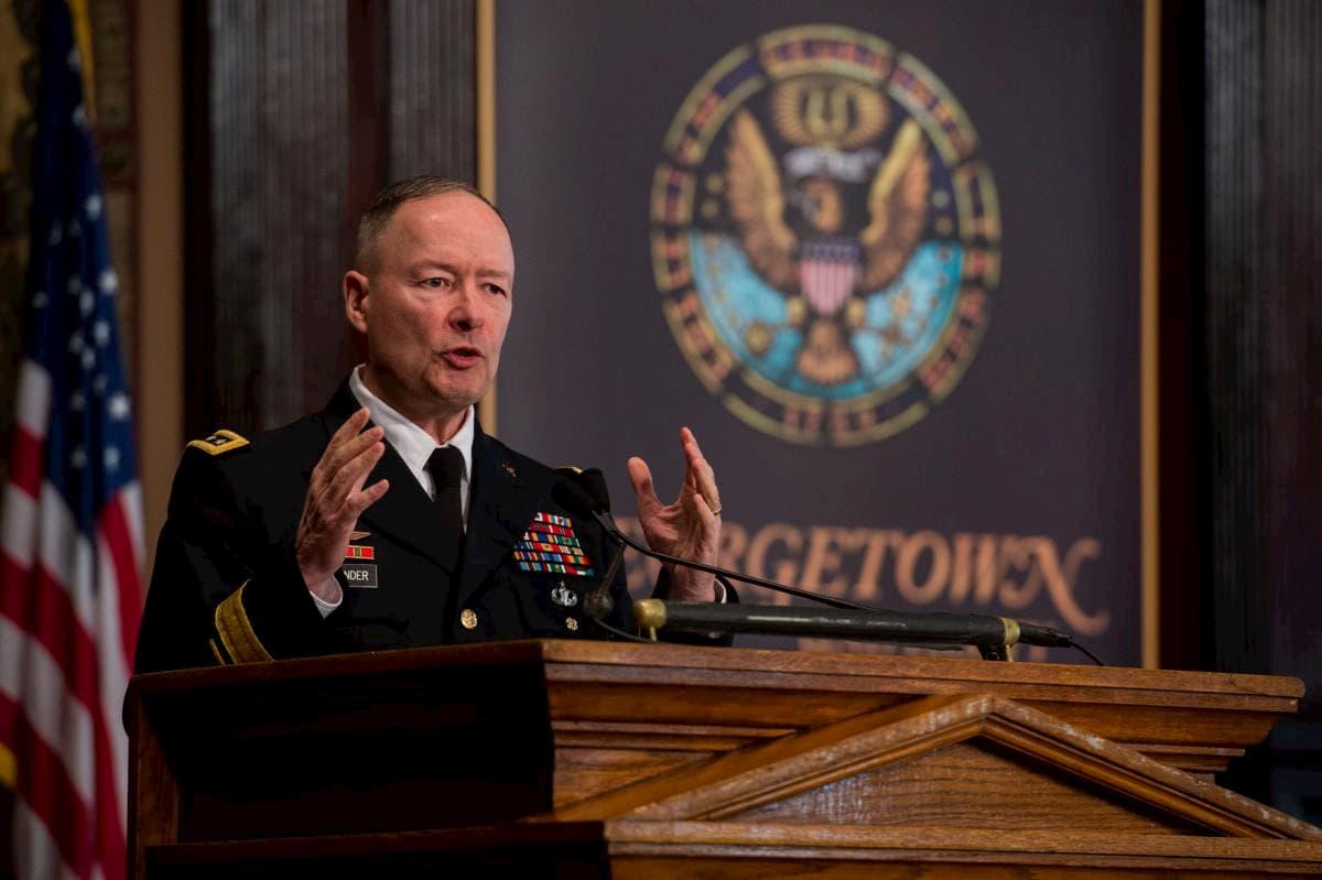 アマゾン、大規模監視システムを主導した元NSA長官を取締役に迎える