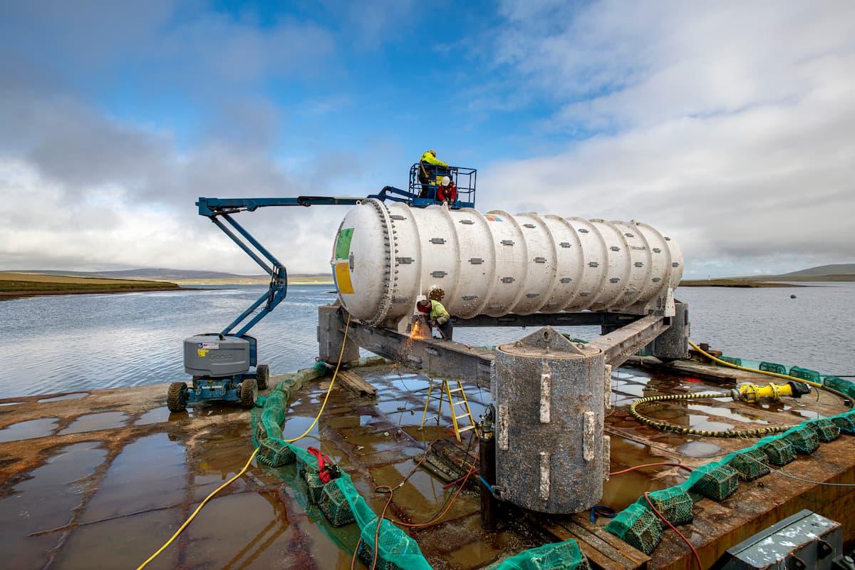 マイクロソフト、水中データセンターの信頼性が高いことを確認