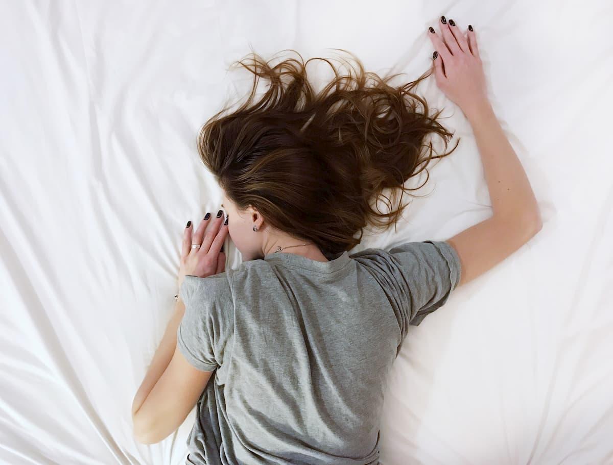 昼寝に頼る人はアルツハイマー病や認知症を発症するリスクが高い