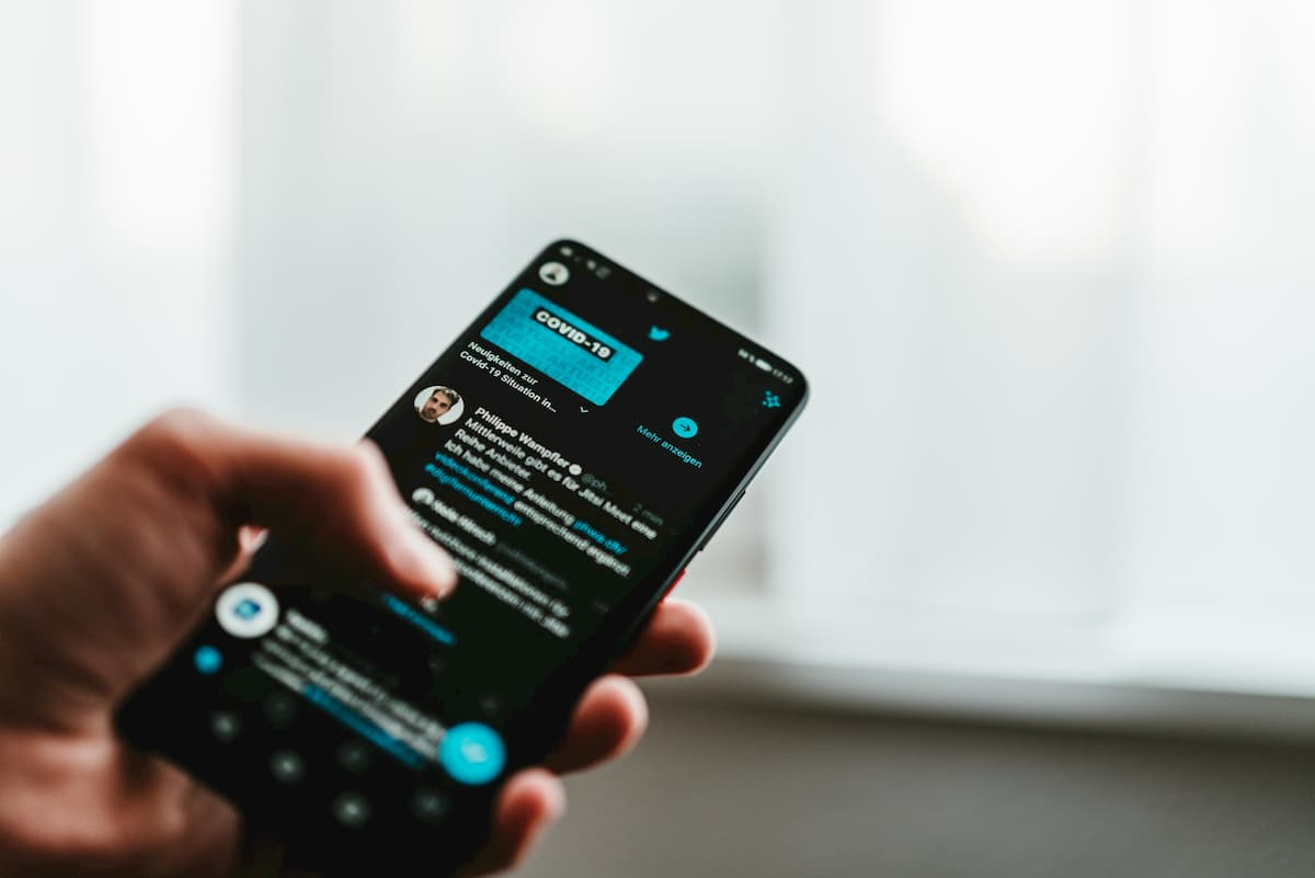 Twitter、大統領選挙前に誤情報対策バナーを追加