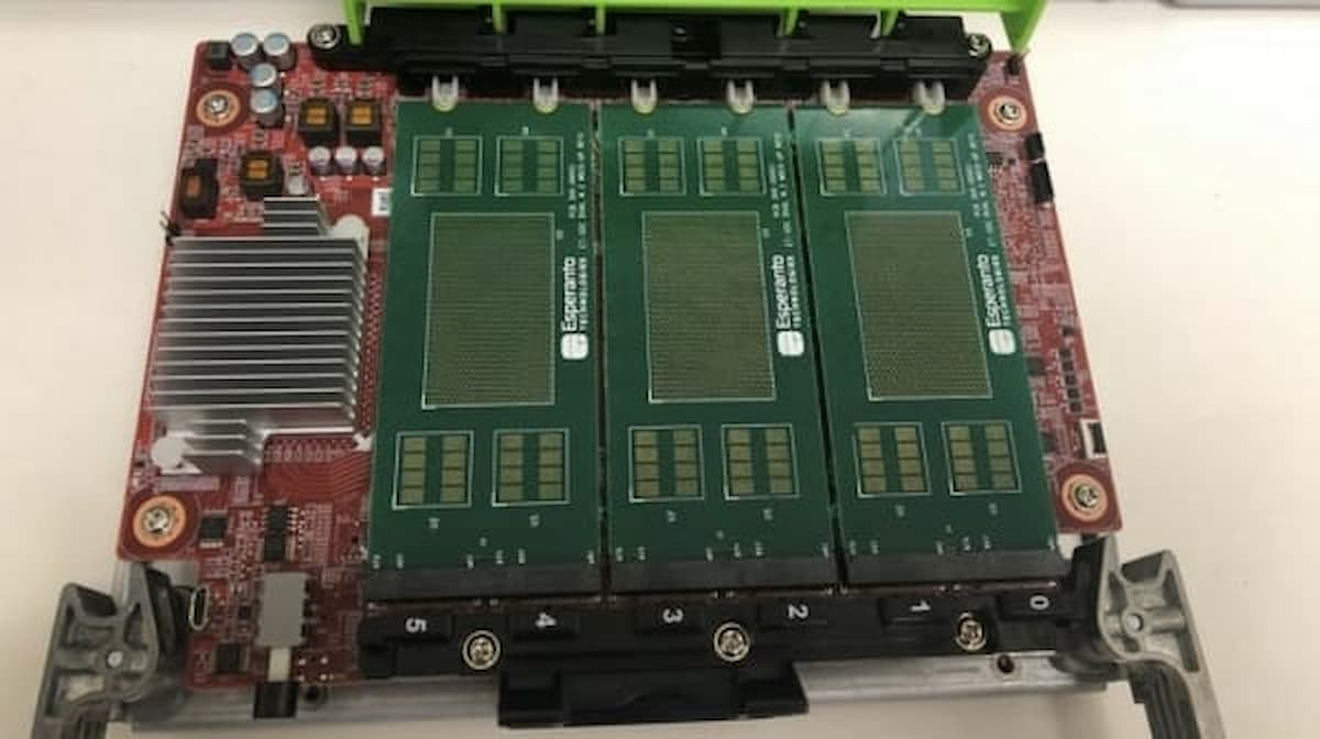 ET-SoC-1 64-bit. Photo by Espelanto.