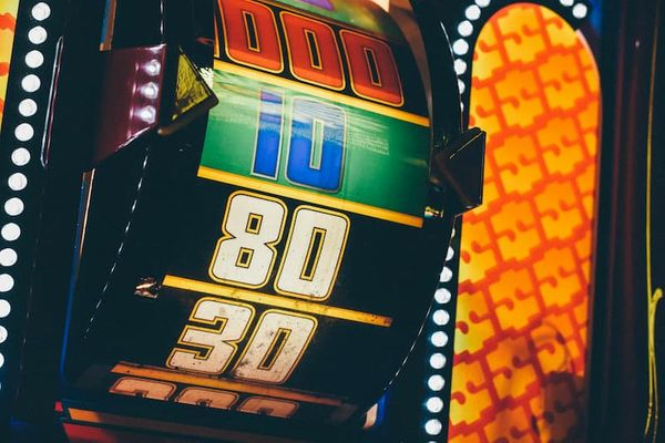 What Is The Best Strategy When Startup Plays Slot Machines ?